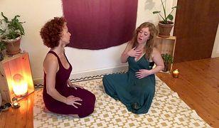 Courtney pokazuje swoim klientkom, jak wykorzystać moc miednicy, aby poprawić jakość życia seksualnego i odkryć swoją kobiecość.
