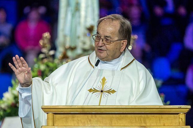 Ojciec Tadeusz Rydzyk przemawiał podczas toruńskich obchodów powstania Radia Maryja