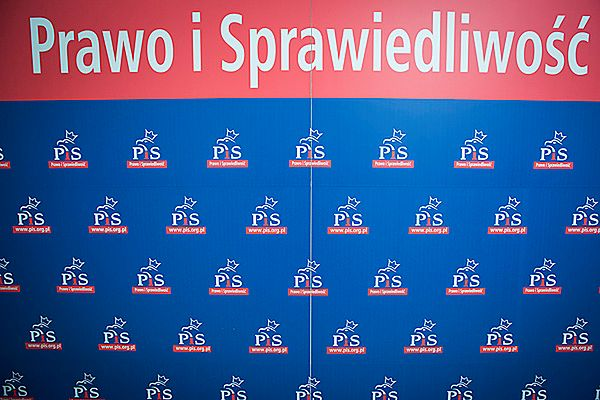 Sondaż TNS Polska: PiS 32 proc.; PO 30 proc. poparcia