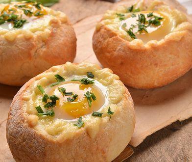 Kajzerki zapiekane z jajkiem