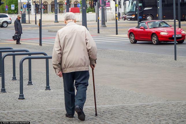Oszukali emeryta. Myślał, że kupuje książkę telefoniczną