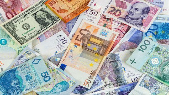 Złoty traci do euro i franka. Umacnia się do coraz słabszego funta