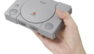 PlayStation Classic mieści się w dłoni