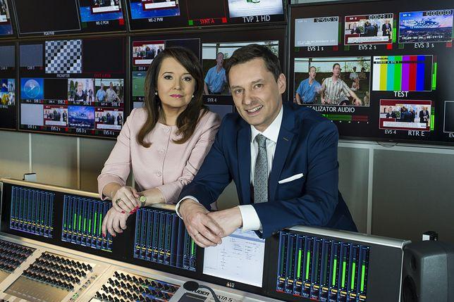 Danuta Holecka i Krzysztof Ziemiec, dwójka popularnych prezenterów programów informacyjnych telewizji publicznej.