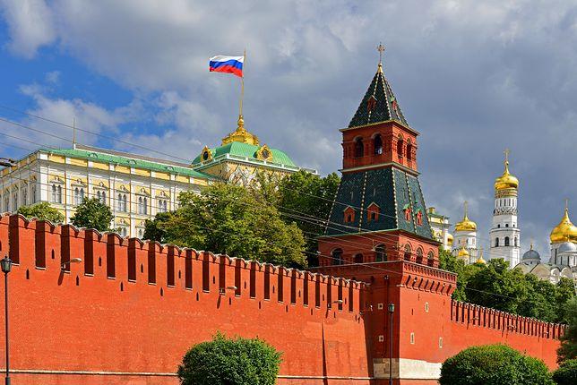 """Kreml jest """"głęboko rozczarowany"""" powrotem amerykańskich sankcji na Iran"""