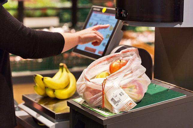 Kaufland wprowadza wielorazowe torebki na warzywa i owoce.