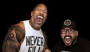 """#dziejesiewkulturze: Dwayne """"The Rock"""" Johnson wreszcie zakrył stary tatuaż. Nowy wzór ma głębokie znaczenie [WIDEO]"""