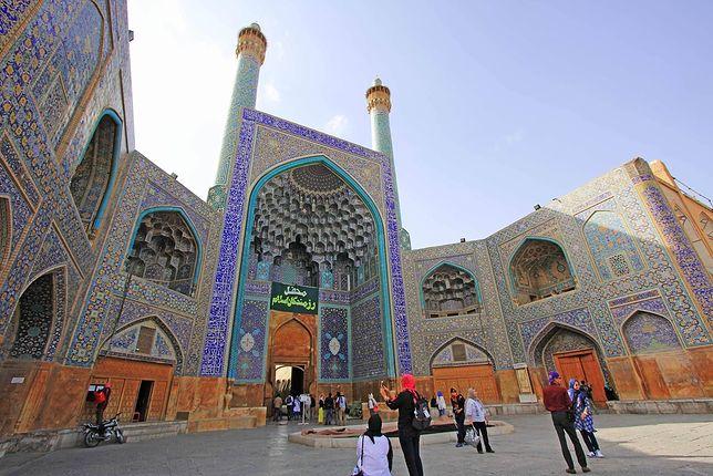 Iran odwiedziła rekordowa liczba turystów. W 2016 r. przyjechało tu blisko 10 mln osób.