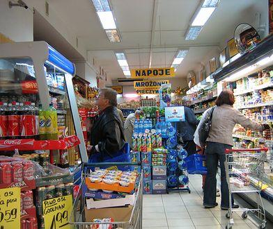 Napoje energetyczne. 60 proc. Polaków jest za zakazem sprzedaży osobom nieletnim