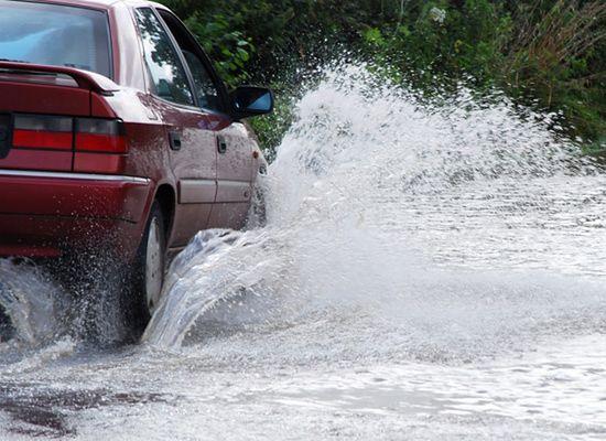 Powódź na Podkarpaciu; woda zalała kilkadziesiąt domów