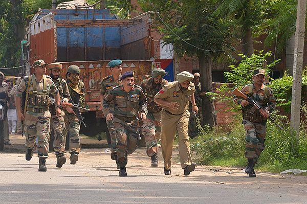 Zamach w Indiach. Napastnicy zaatakowali posterunek policji w Pendżabie