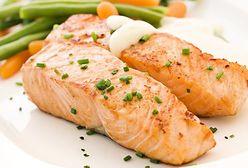 Zdrowa kolacja. Przepis na łososia i pomysły na kalafior