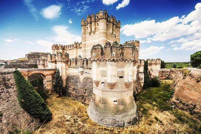 Castillo de Coca w Hiszpanii jest perłą architektury militarnej