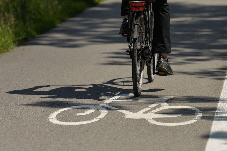Koronawirus. Czy na rowerze trzeba mieć założoną maseczkę?