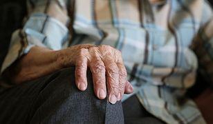 """Podawał się za pracownika wodociągów, jego """"pomocnicy"""" splądrowali mieszkanie seniorów"""