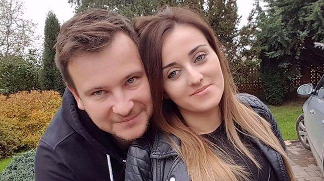 Ania Bardowska z dużym brzuchem na rodzinnym zdjęciu
