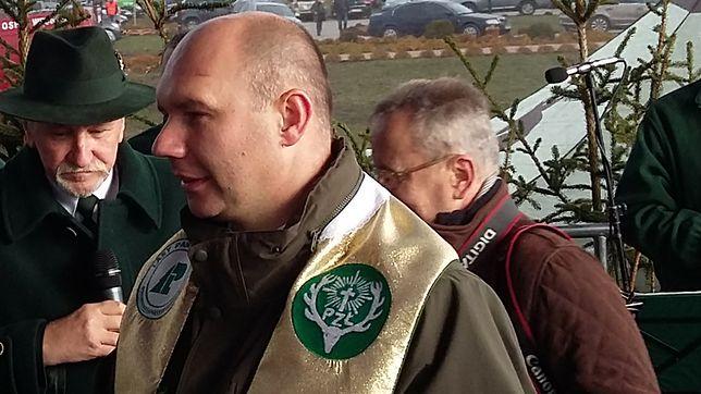 Ks. Tomasz Duszkiewicz podczas uroczystych obchodów święta myśliwych