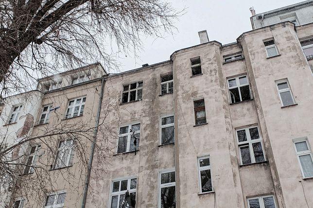 Tragiczny pożar we Wrocławiu: 4 osoby nie żyją. Strażacy popełnili błąd?
