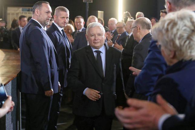 """PiS szuka nowych pomysłów na kampanię. """"Piątka Kaczyńskiego"""" ruszy w Polskę"""