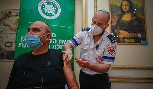 """Izrael. Osoby zaszczepione mogą już korzystać z """"zielonych paszportów"""""""