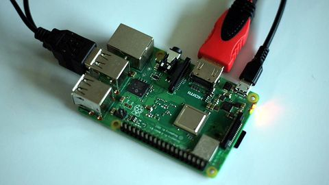 Raspberry Pi. Superkomputer z 1060 malinek