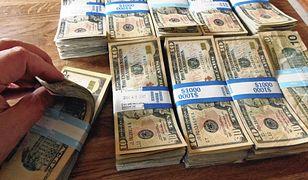 Dolar najniżej od dwóch lat. Słabe dane z gospodarki USA
