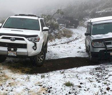 Hawaje: Potężna burza i wiatr wiejący 300 km/h nawiedziły wyspę Maui. Przyniosły pierwszy śnieg w historii
