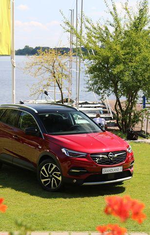 Opel Grandland X - nowy zawodnik w ulubionym segmencie Polaków