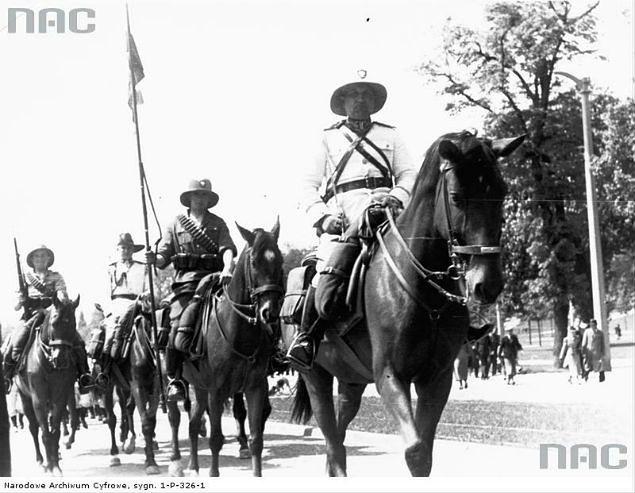 Paramilitarny oddział konny Ligi Morskiej i Kolonialnej mający pełnić służbę na przyszłych koloniach Polski - 1939 r.