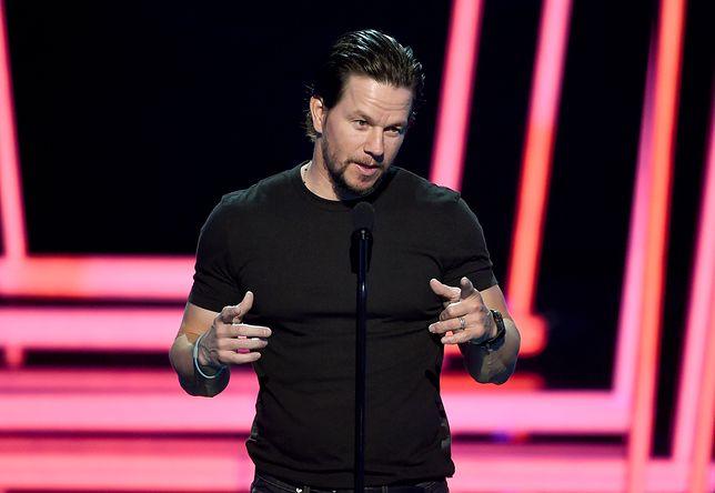 """Wahlberg bije się w pierś po występie w filmie """"Boogie Nights"""""""