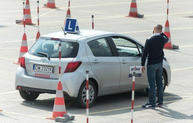 Oblała egzamin na prawo jazdy, po czym wsiadła za kierownicę swojego samochodu