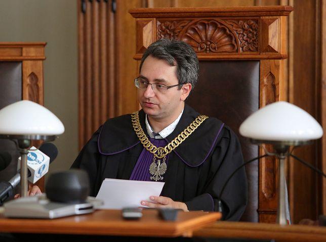 Sędzia Michał Lasota w trakcie rozprawy
