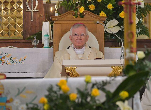 Koronawirus w Polsce. Abp Marek Jędraszewski odpowiedział na apel Episkopatu