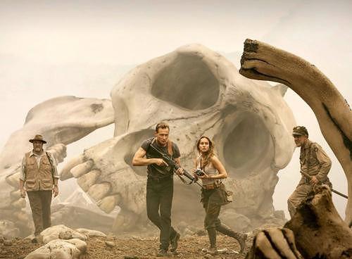 John Goodman, Tom Hiddleston, Brie Larson i John C. Reilly fot.  Warner Bros. Entertainment Polska