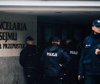 Dowódca szantażuje policjanta przed 11 listopada. Ujawniono nagranie