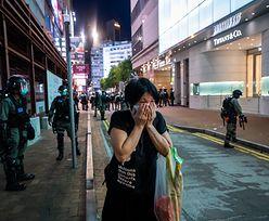 """Chiny rozpoczynają brutalne """"porządki"""" w Hongkongu. Reaguje Wielka Brytania"""