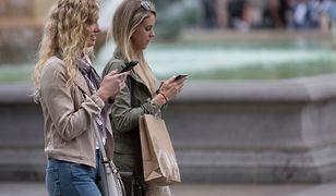 Olga zauważyła, że była żona jej partnera obserwuje ją w mediach społecznościowych