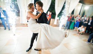 Skarbówka sprawdza, czy domy weselne i zespoły muzyczne rozliczają się z podatku. Wezwania dostają nowożeńcy