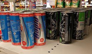 Polacy coraz częściej kupują napoje energetyczne
