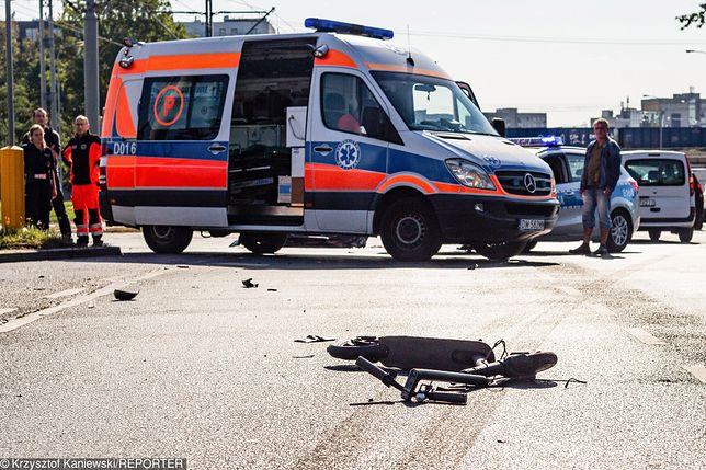 Wrocław. Na Legnickiej samochód śmiertelnie potrącił 25-latka na hulajnodze