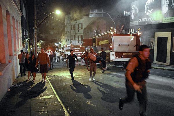 Co najmniej 232 osoby zginęły w pożarze w nocnym klubie w Brazylii