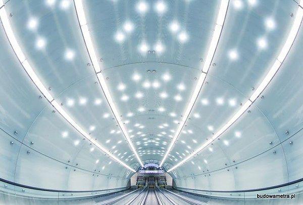 Zasięg dla komórek w pociągach całej II linii metra