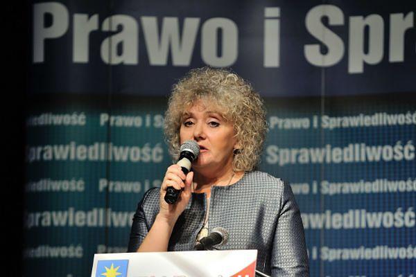 Maria Koc, Izabela Kloc i Jarosław Rusiecki - wygrana PiS w wyborach uzupełniających do senatu