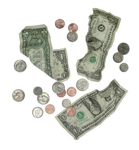 Oszczędności w dolarach przynoszą straty Polakom
