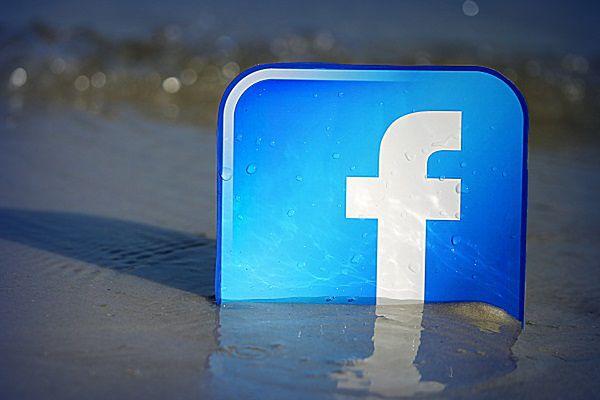 Popularność Facebooka drastycznie spada. Czy to początek jego końca?