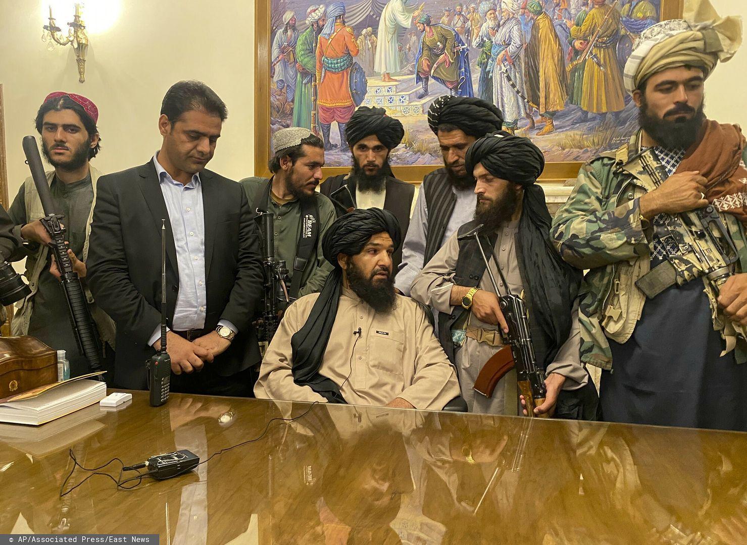 Talibowie wkroczyli do Kabulu (AP Photo/Zabi Karimi)