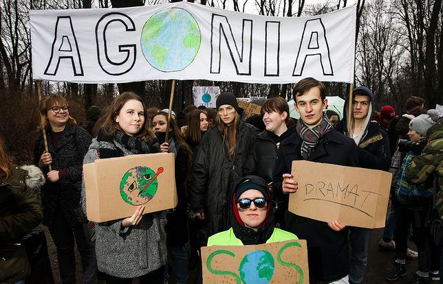 Protest młodych w Warszawie