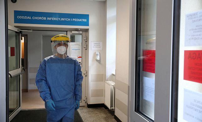 """Koronawirus. Dyrektorzy szpitali apelują: """"Włączmy lekarzy POZ do pomocy"""""""