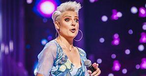 """""""Piękna i młoda"""" Magdalena Narożna prezentuje światu NOWĄ FRYZURĘ. Fani dosadnie: """"WYGLĄDASZ STRASZNIE"""" (FOTO)"""