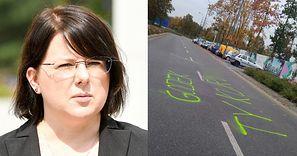 """Kaja Godek pokazała zdjęcia wulgarnych napisów wokół jej domu: """"Złożyłam wniosek na policję o OCHRONĘ OSOBISTĄ"""" (FOTO)"""